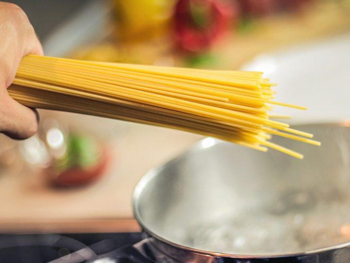 Riutilizzare l'acqua di cottura della pasta